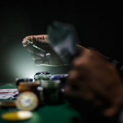 How to Bluff in Poker [A 2020 Thorough Guide]