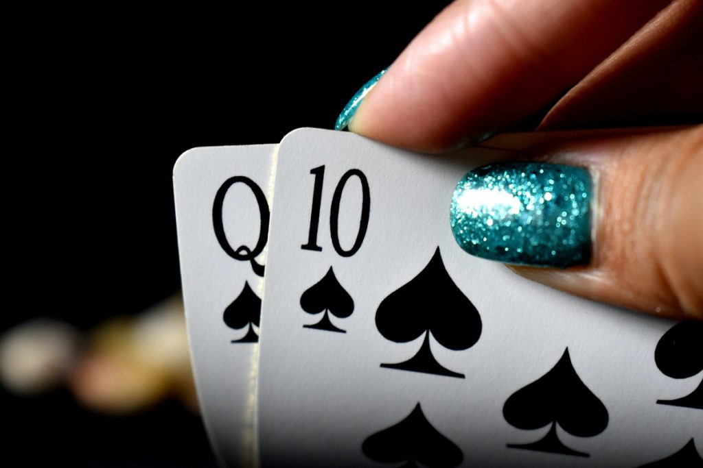 Bluffing in poker - important skill to master